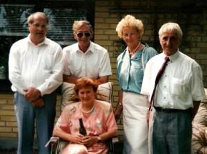 Fem søskende. Arne, Max, Else, Knud og Jytte